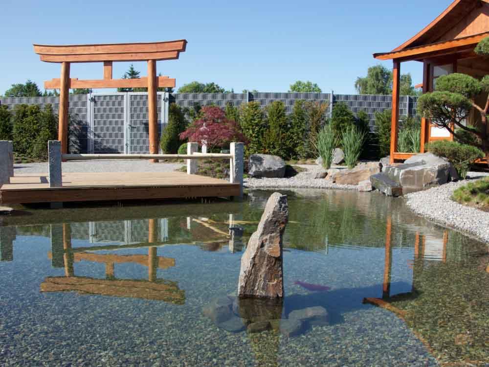 Japanischer Garten mit Teehaus bei Auto-Weller