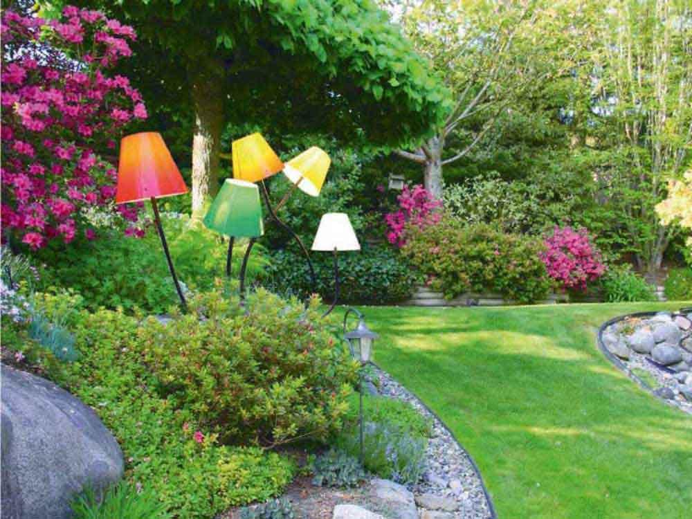 Farbenfrohe Leuchtskulpturen sorgen nicht nur in der Dunkelheit für Aufmerksamkeit!