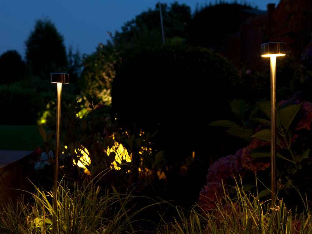 Mit moderner und stilvoller Beleuchtung wird ihr Garten ganz neu in Szene gesetzt