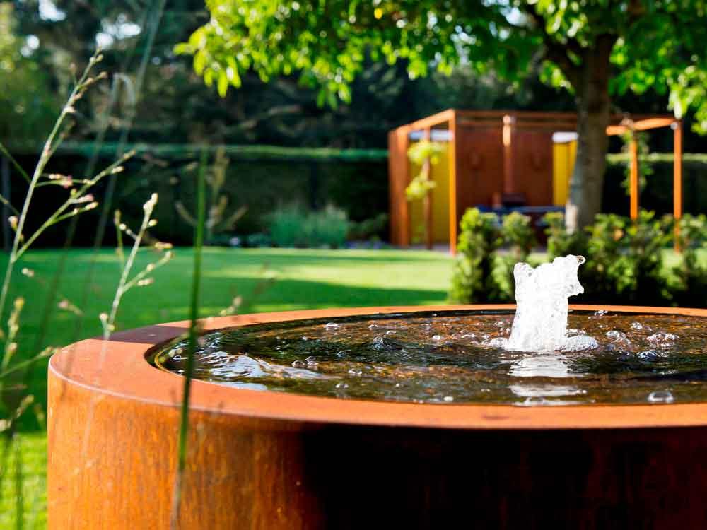 Moderne Wasserspiele sind ein Highlight in jedem Garten!
